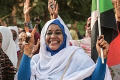 Soudan: le Conseil militaire s'engage à «appliquer» l'accord de transition