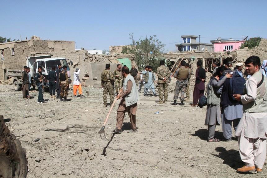 Talibans et responsables afghans s'engagent à établir une «feuille de route pour la paix»