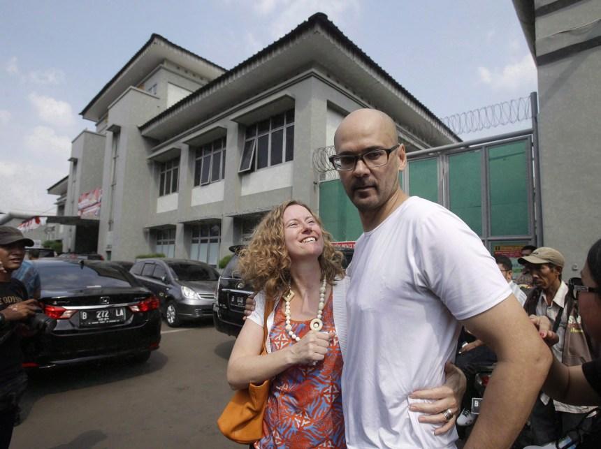 Neil Bantleman est de retour au pays après avoir été libéré par l'Indonésie