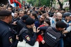Russie: des opposants arrêtés lors d'une manifestation pour des «élections justes» à Moscou