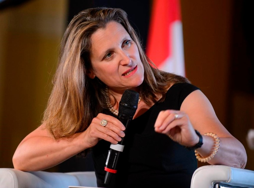 Violences à Hong Kong: Pékin réplique à Chrystia Freeland