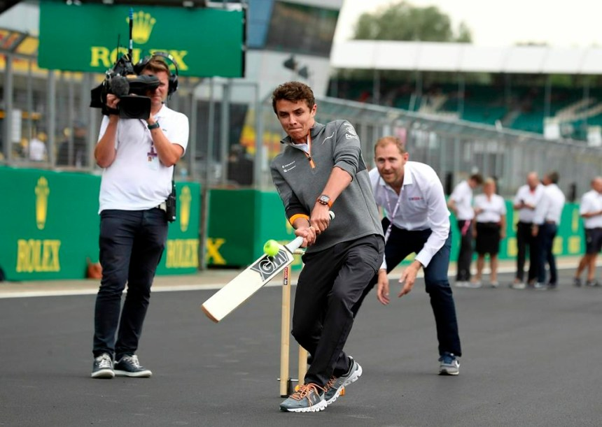 Hamilton aimerait que le GP de G.-B. soit le seul événement sportif ce week-end