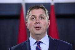 Scheer suggère d'imposer des tarifs douaniers à des produits chinois