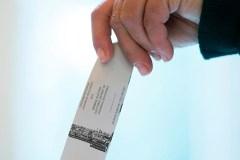 Les libéraux déposent une plainte au commissaire aux élections fédérales