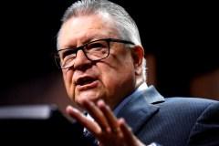 Huawei et le 5G: Goodale ne croit pas qu'Ottawa décidera avant le scrutin
