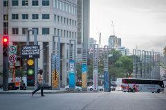 Greenpeace: affiches contre les pétrolières installées mercredi à Montréal