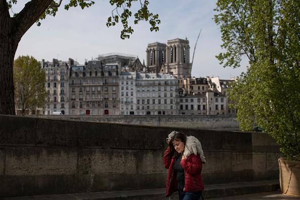Notre-Dame: trois mois après l'incendie, adoption d'un projet de loi pour lancer la restauration