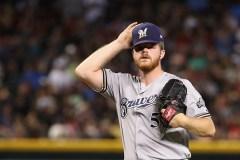 Le lanceur des Brewers Brandon Woodruff pourrait rater jusqu'à six semaines de jeu