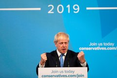 Boris Johnson, chantre du Brexit, devient premier ministre britannique