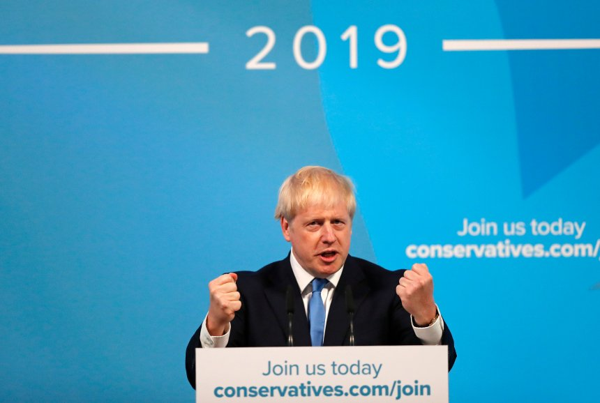 Boris Johnson, chantre du Brexit, devient premier ministre britannique