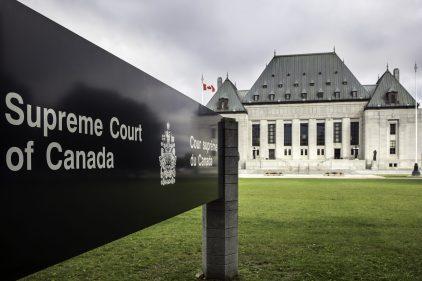Loi 21: la Cour suprême sommée de clarifier l'implication d'un de ses juges
