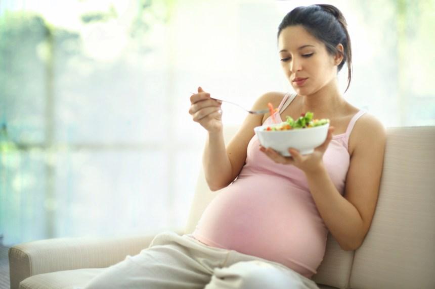 Un régime méditerranéen pourrait prévenir le diabète et la prise de poids chez la femme enceinte