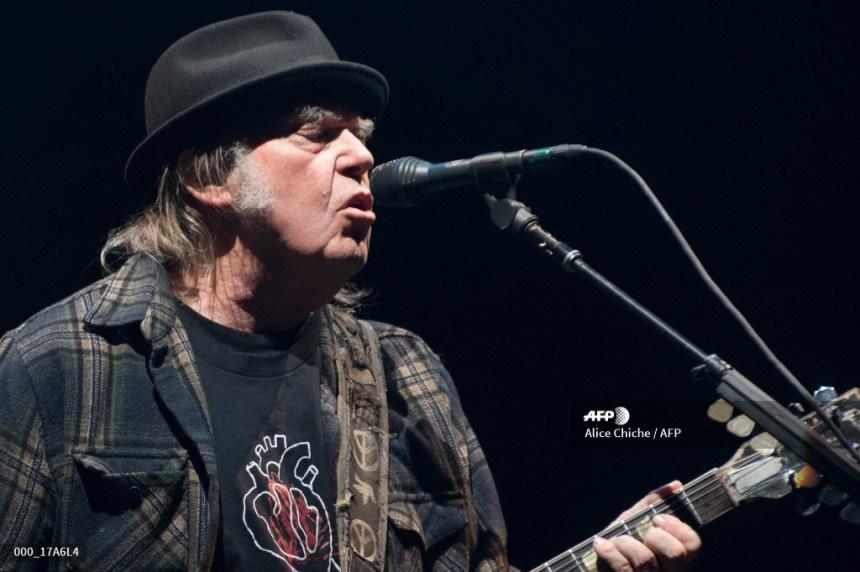 Neil Young annonce un nouvel album avec le groupe Crazy Horse