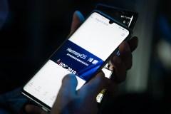 Huawei ouvre un nouveau front dans la guerre pour le contrôle des smartphones