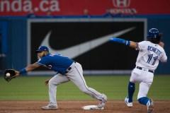 Andrus frappe quatre coups sûrs et les Rangers battent les Blue Jays 7-3