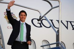 Trudeau rencontre les premiers ministres Johnson et Abe au sommet du G7
