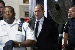 Affaire Weinstein: son procès reporté après avoir plaidé non coupable