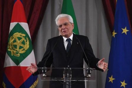 Italie: cinq jours pour sortir de la crise