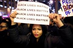 États-Unis: renvoi d'un policier new-yorkais accusé d'avoir asphyxié Eric Garner en 2014