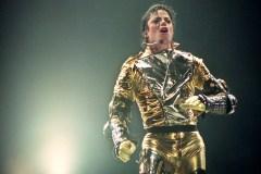 Une exposition sur Michael Jackson ouvre en Finlande malgré les controverses