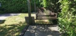 balançoire et clôture