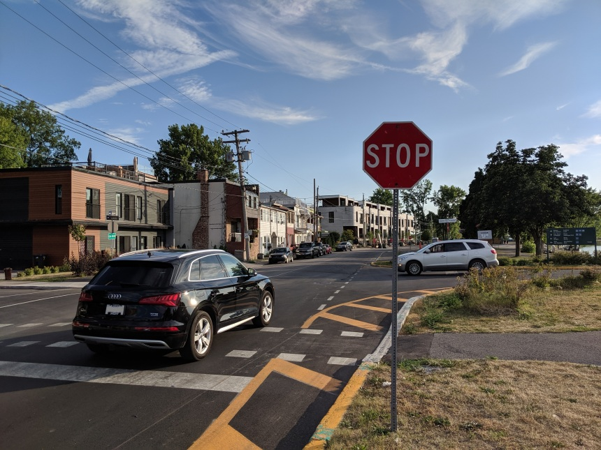 Les panneaux «stop», bien plus français qu'on le croit