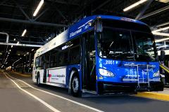 La Société de transport de Laval dévoile son premier autobus électrique