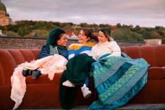 Fabuleuses: jeunes femmes sous influence