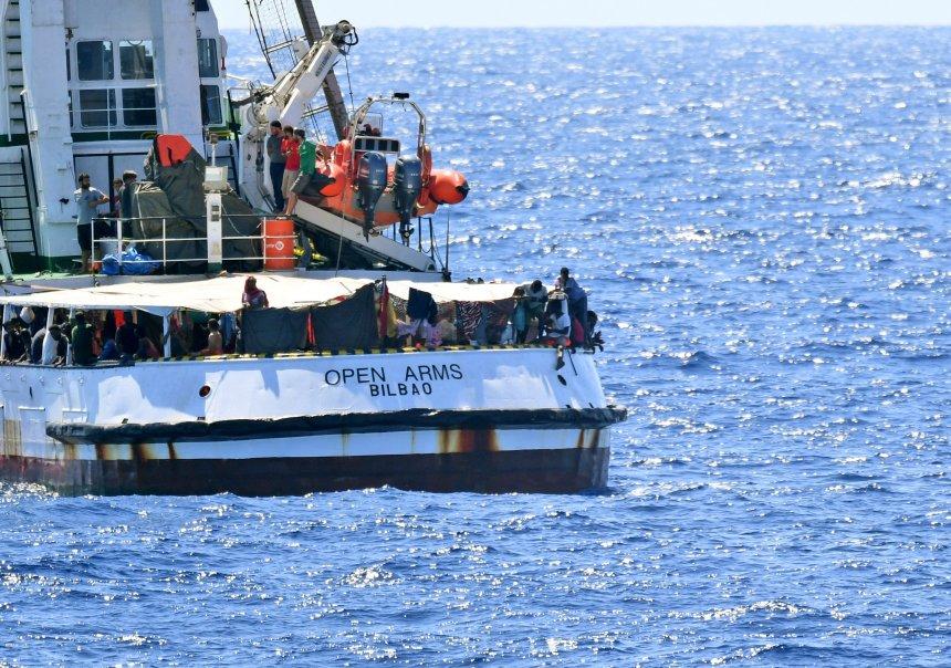 Madrid envoie un navire militaire récupérer les migrants de l'Open Arms