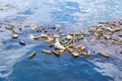 France: une charte pour des plages sans déchets plastiques