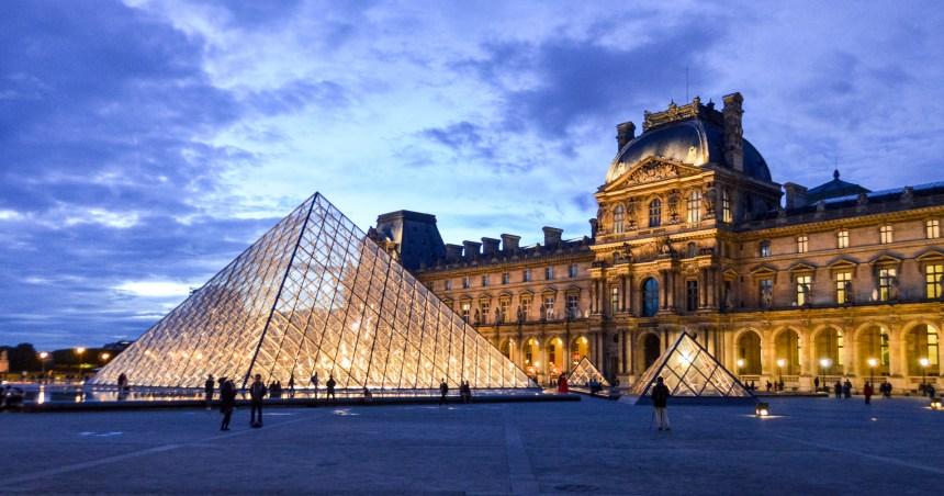France: le Louvre appelle les visiteurs à réserver pour être sûrs de pouvoir rentrer