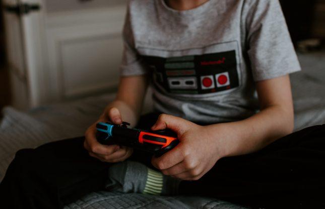 Rencontre sur la recherche dans le domaine des compétitions de jeux vidéo et des communautés en ligne
