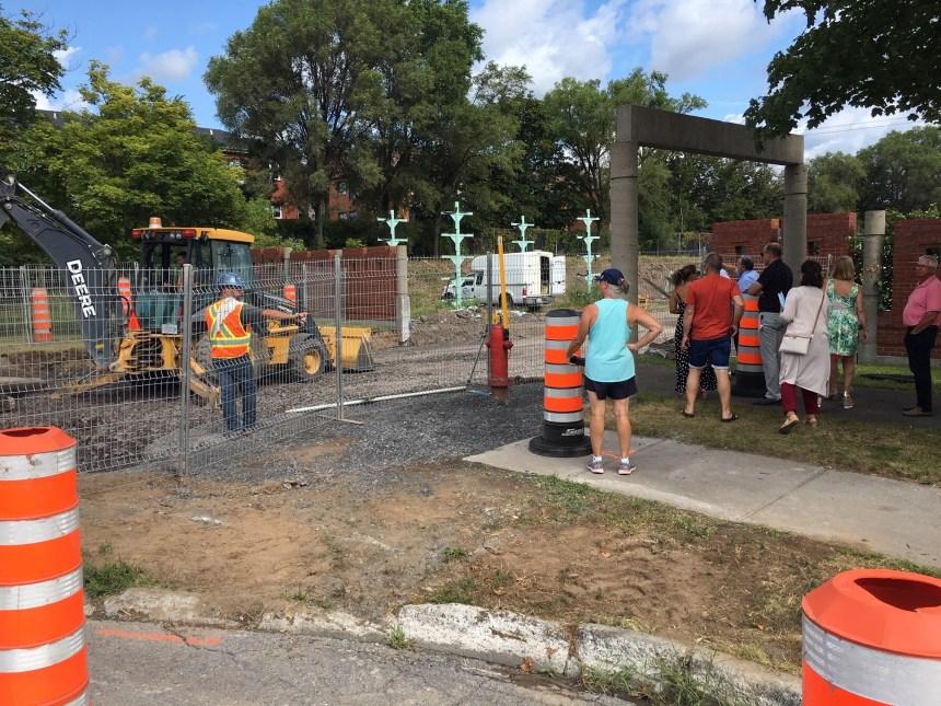 Nouvelle sortie de la cour de voirie: les travaux continuent malgré les protestations citoyennes