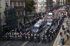 Un défilé de la Fierté gaie sous haute surveillance en Pologne