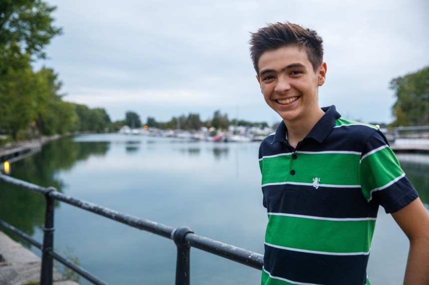 Survivant du cancer, un jeune de Baie-d'Urfé véhicule l'espoir
