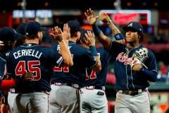 Les Cardinals et les Braves dévoilent leurs formations de 25 joueurs