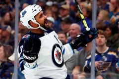 Jets: le vétéran défenseur Dustin Byfuglien est suspendu sans salaire