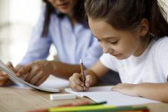 Éducation: établir la routine des devoirs