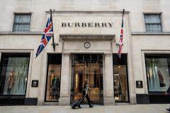 Burberry offre un service de messagerie personnalisé à certains clients privilégiés