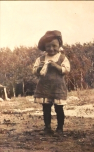 Louise de Franceso à 4 ans