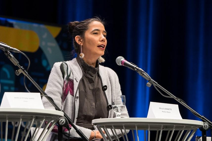 Une militante invite à repenser le système culturel pour intégrer la réalité autochtone