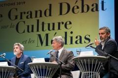Débat sur la culture et les médias: des étincelles en discutant des géants du web