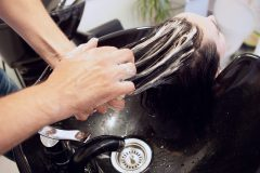 Les coiffeurs sur le pied de guerre pour la réouverture