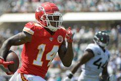 Watkins capte 3 passes de touché dans un gain des Chiefs à Jacksonville, 40-26