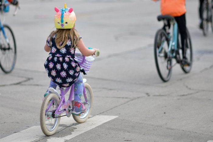 Jeunes cyclistes à Montréal