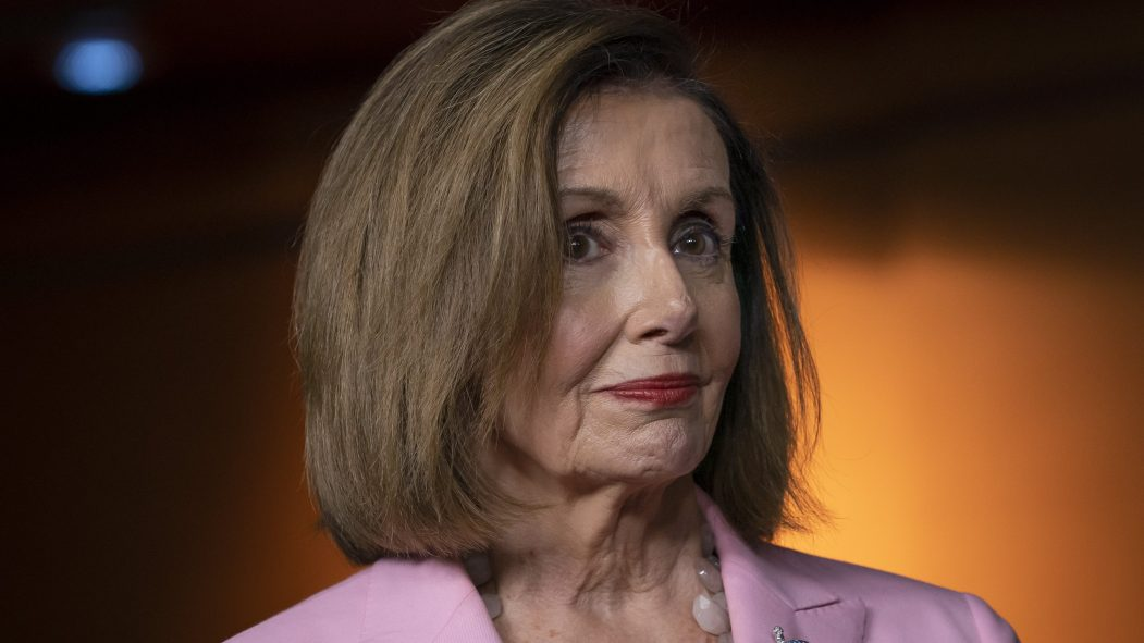 Nancy Pelosi demande une procédure de destitution rapide contre Donald Trump.