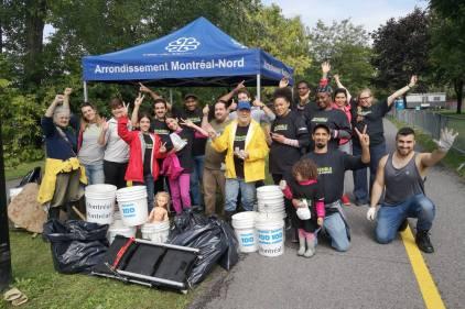La Mission 100 tonnes amasse près de 600 livres de déchets sur les berges nord-montréalaises