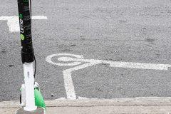 Une plateforme citoyenne pour signaler les trottinettes Lime mal garées