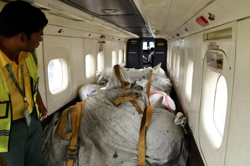 Au Népal, le recyclage des déchets de l'Everest