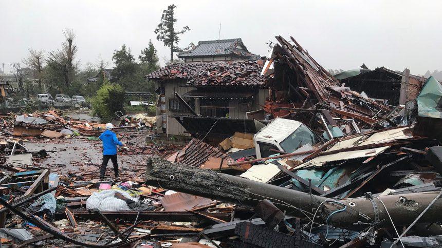 Le typhon Hagibis s'abat sur le Japon: au moins deux morts